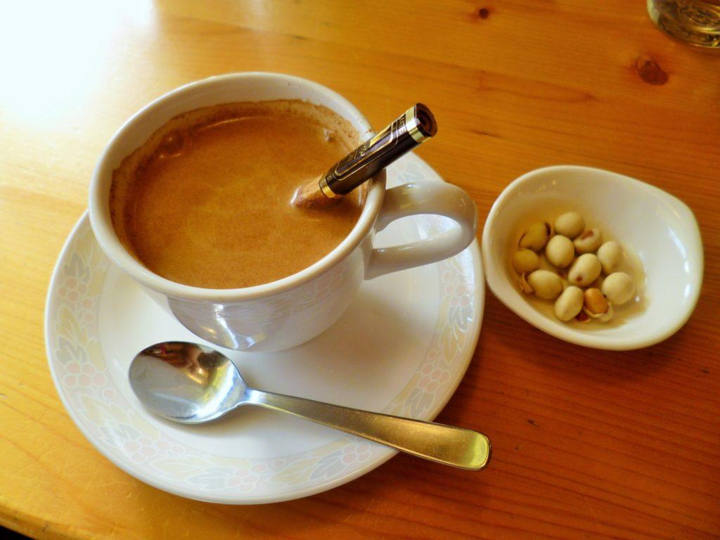 コーヒーと豆菓子