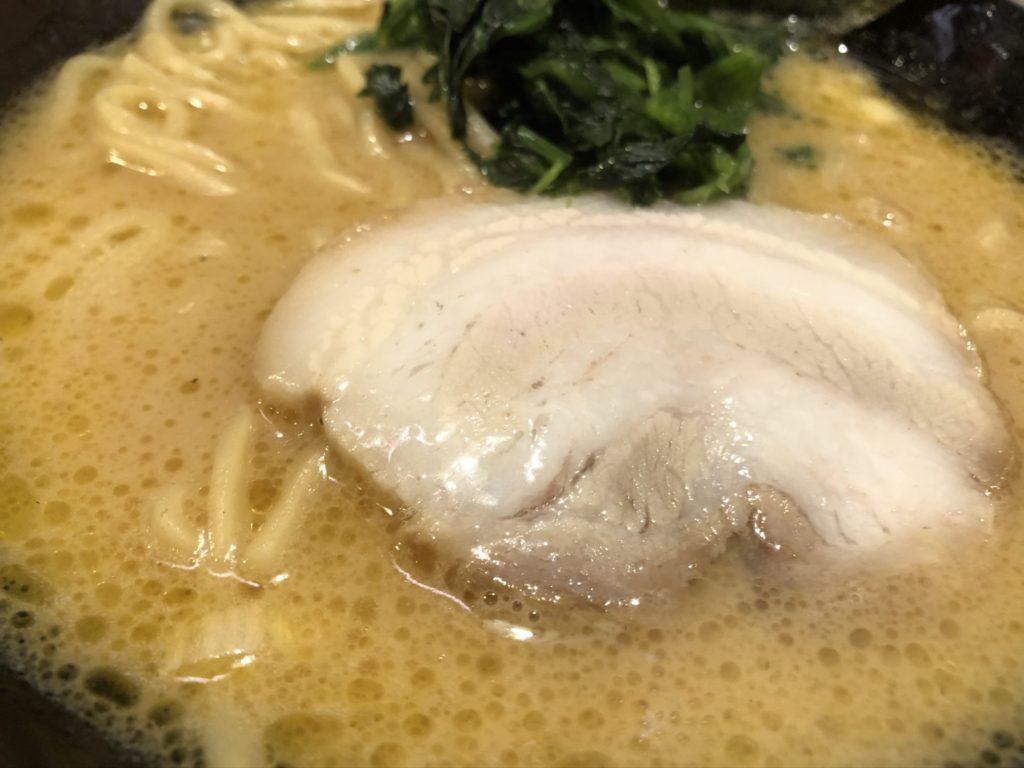 稲和家ラーメンのスープ